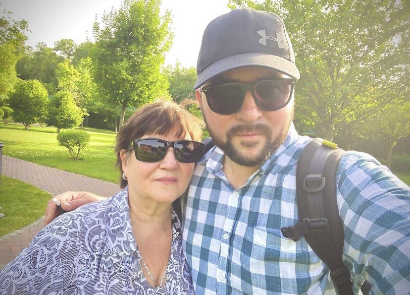 Руслан Синичкин с мамой / Пресс-служба 1+1