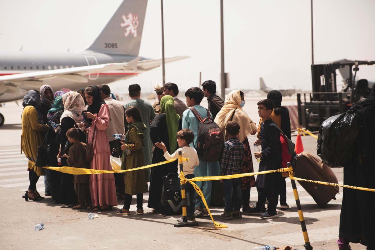 Эвакуированных из Афганистана будут тестировать на коронавирус \ фото REUTERS
