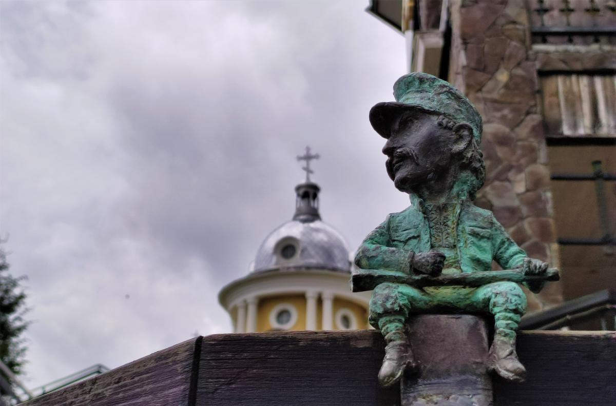 Мини-скульптурки на Синевирском перевале / фото Марина Григоренко