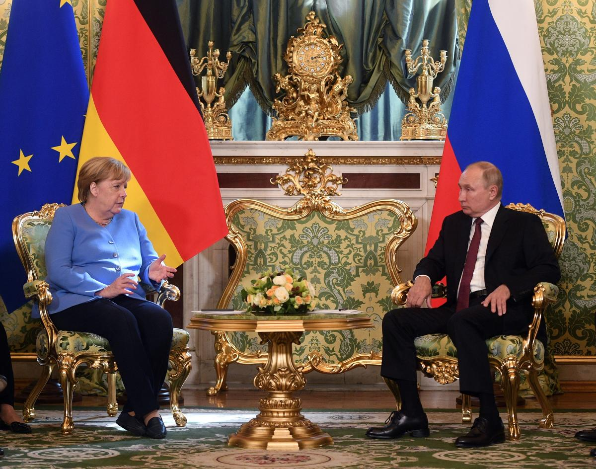 Negotiations between Merkel and Putin are over / photo by REUTERS