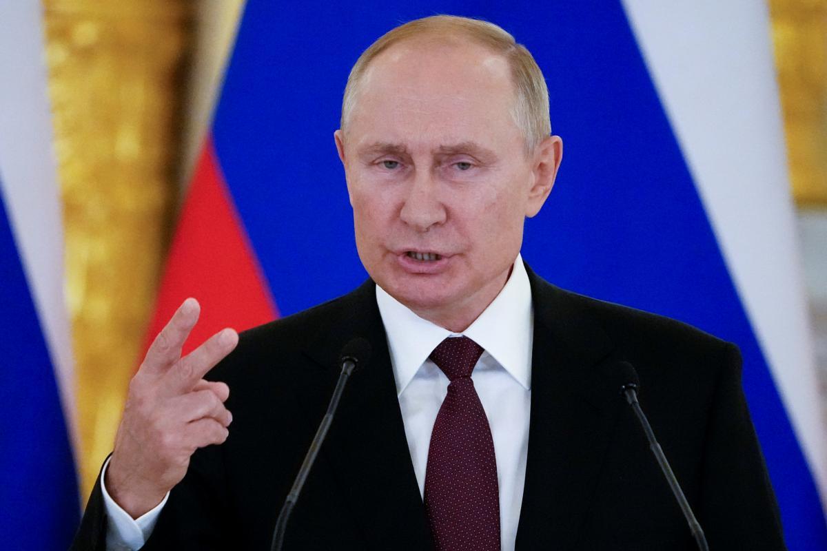 """Путин напомнил, что Меркель """"всегда придерживалась позиции о продлении транзита газа через Украину после 2024 года"""" / фото REUTERS"""