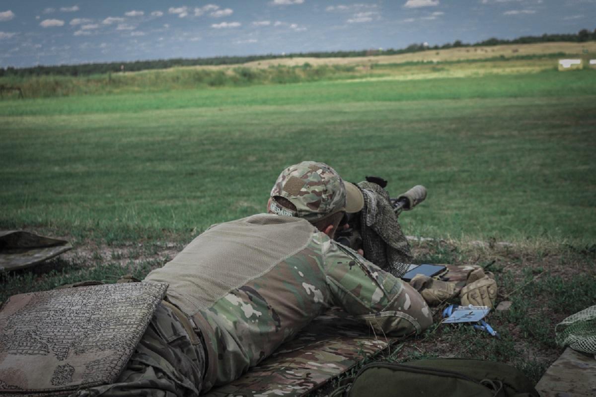 Работа контрснайперов на передовой не запрещена / фото mvs.gov.ua