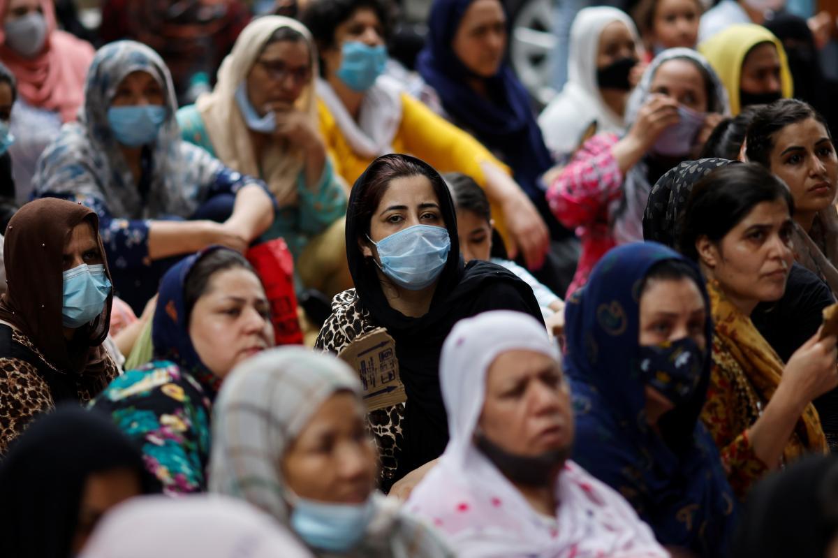 Жінкам Афганістану заборонили виходити з дому / фото REUTERS