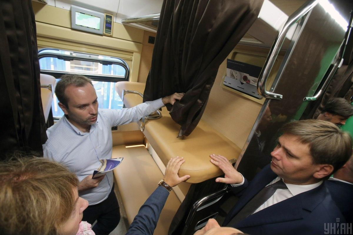 A prototype of a capsule car / photo by UNIAN, Oleksandr Sinitsa appeared within the exhibition