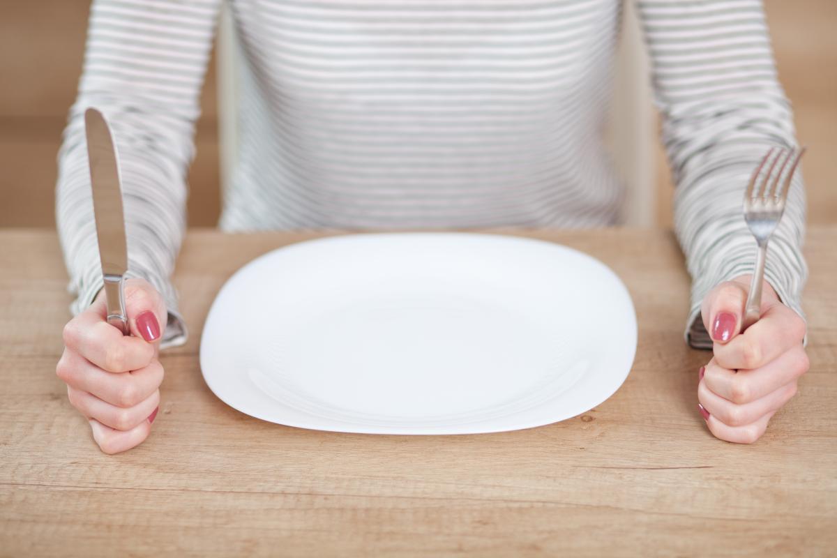 Врачидиагностировали женщине острый ишемический инсульт, а затем она потеряла аппетит / фото ua.depositphotos.com
