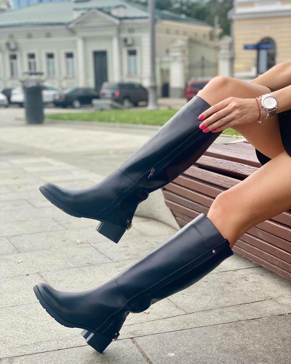 Жокейские сапоги также будут в тренде / instagram.com/obuv_shick