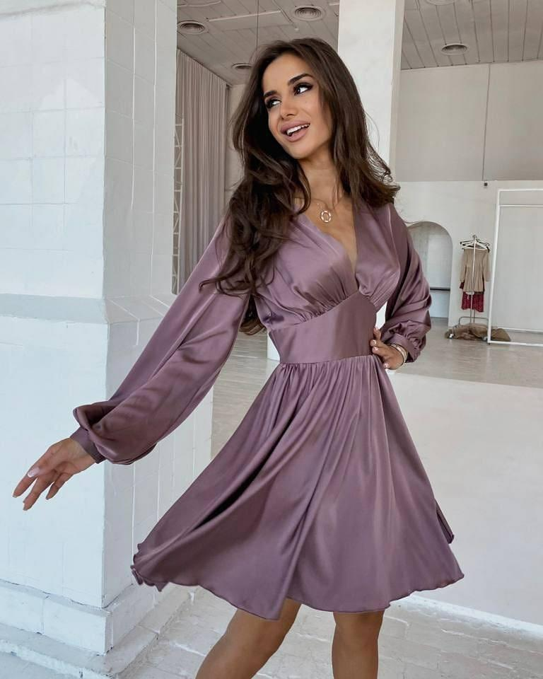 Міні-сукня - це елемент базового гардероба / instagram.com/veronastore.ua