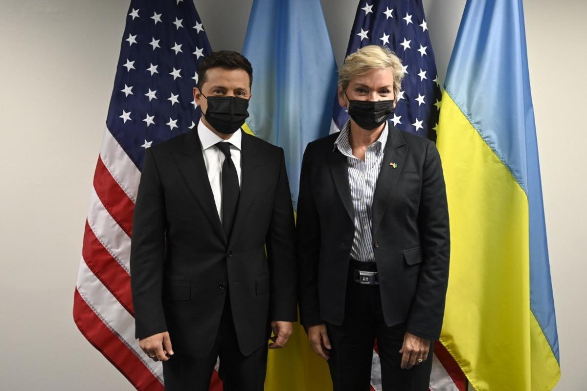 Vladimir Zelensky talked in the US with Jennifer Grenholm / photo president.gov.ua
