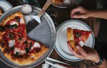 Посетителя пиццерии в Италии оштрафовали на 400 евро: ел без COVID-паспорта