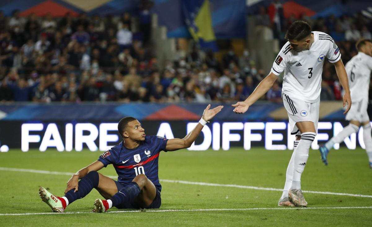 Французы не смогли обыграть боснийцев / фото REUTERS