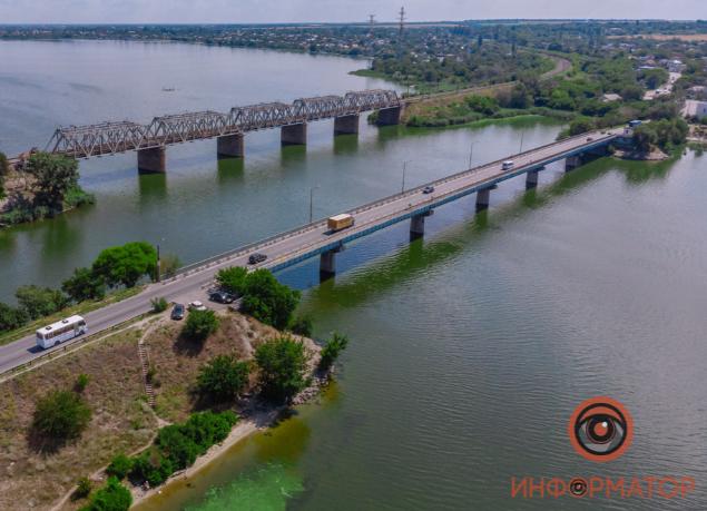 В Днепре девочка прыгнула с моста и спаслась, выяснили журналисты/ фото dp.informator.ua