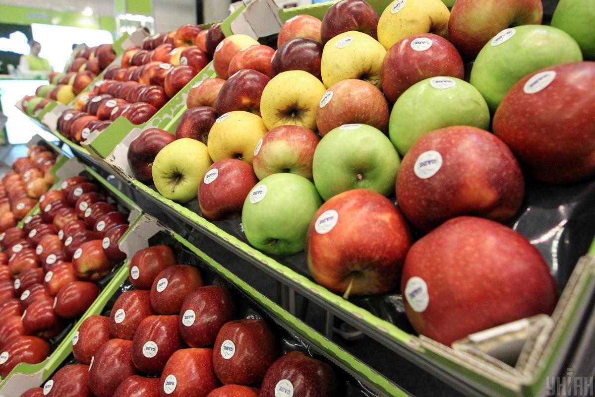 Цены на яблоки обновили антирекорд с 2018 года / фото УНИАН, Вячеслав Ратынский