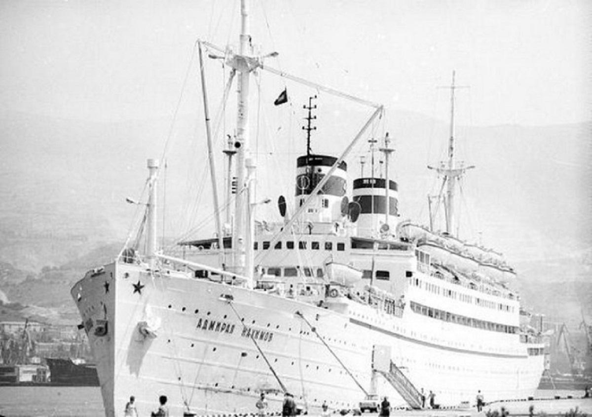 """On August 29, 1986, """"Admiral Nakhimov"""" left Odessa and went on a seven-day Black Sea cruise / photo Sudohodstvo.org"""