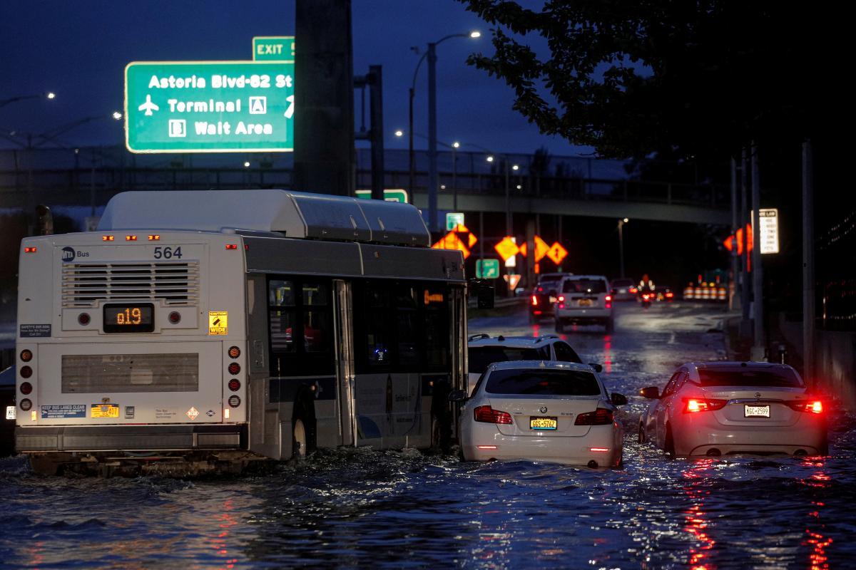Цей потопназивають найбільшою катастрофою в історії Нью-Йорка /фото REUTERS