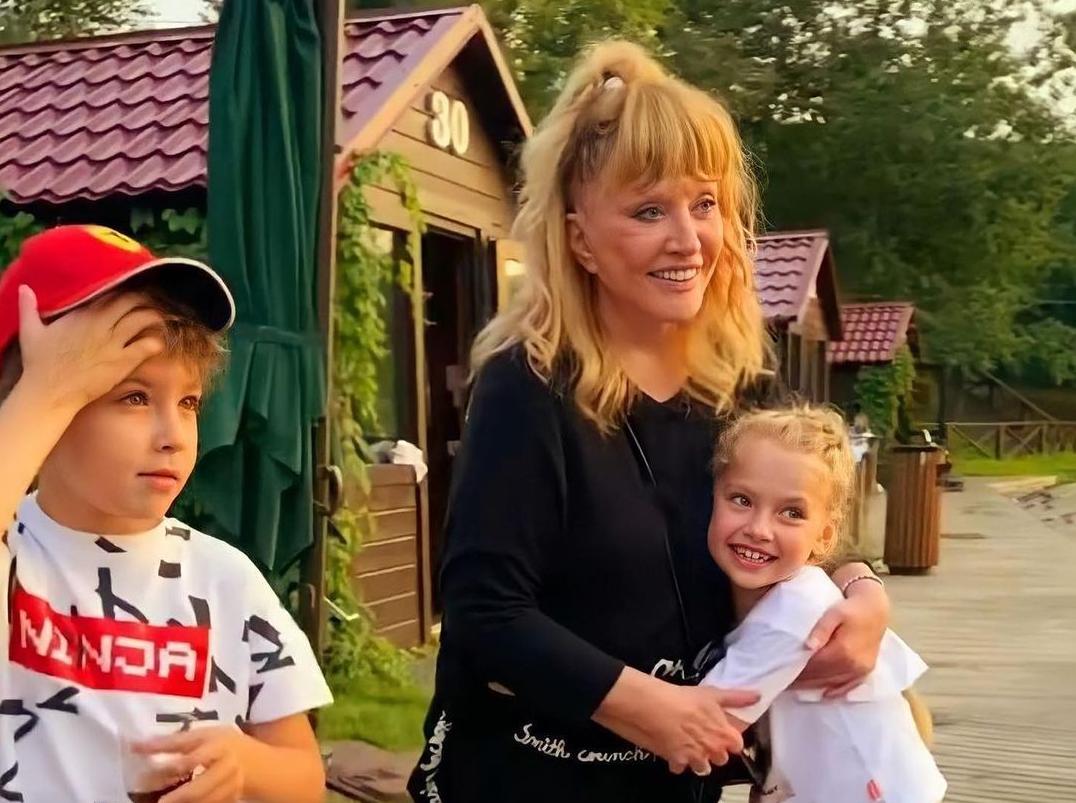 Пугачева засветила лысину на голове / instagram.com/liza__galkina