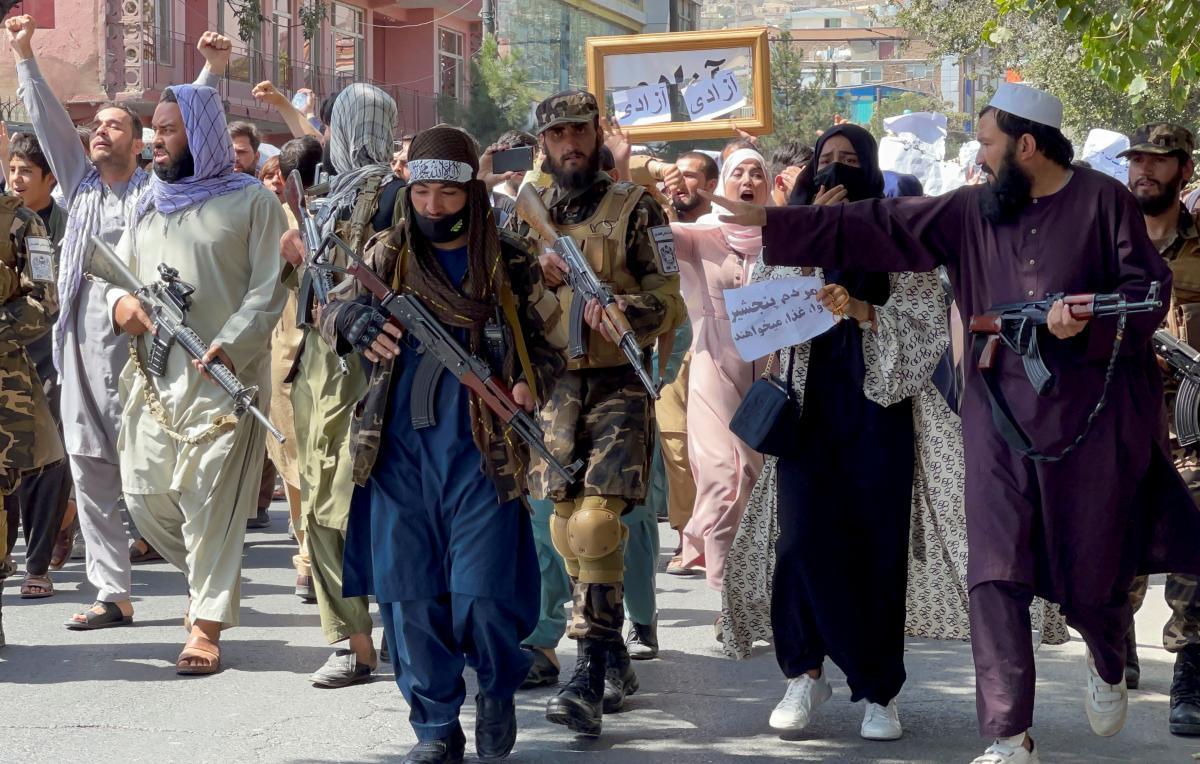 Талибов обвинили в убийстве женщины на восьмом месяце беременной / фото REUTERS
