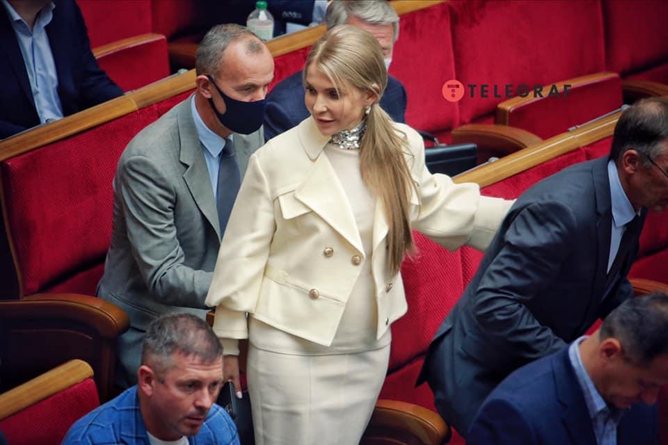 Тимошенко показала новый наряд / facebook.com/yan.dobronosov