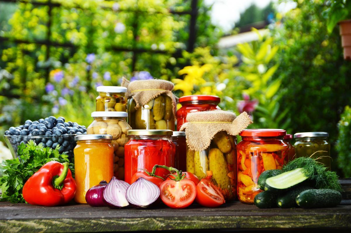 Рецепты вкусных салатов на зиму / depositphotos.com