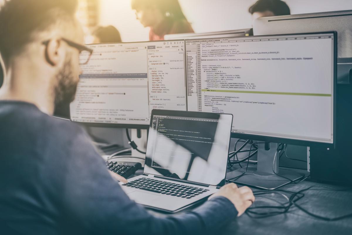 Яка зарплата у програмістів / depositphotos.com