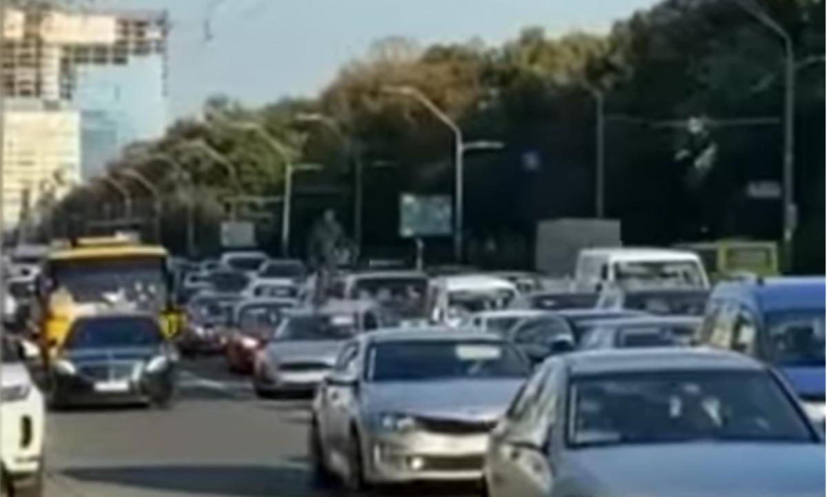 Пошкоджено 10 авто / скріншот відео