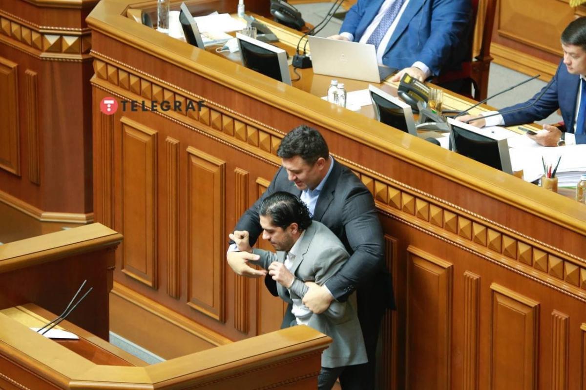 """Конфлікт стався під час виступу Лероса / фото """"Телеграф"""""""