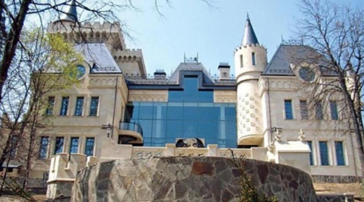 Замок Аллы и Максима / фотоGdeZhivet.com