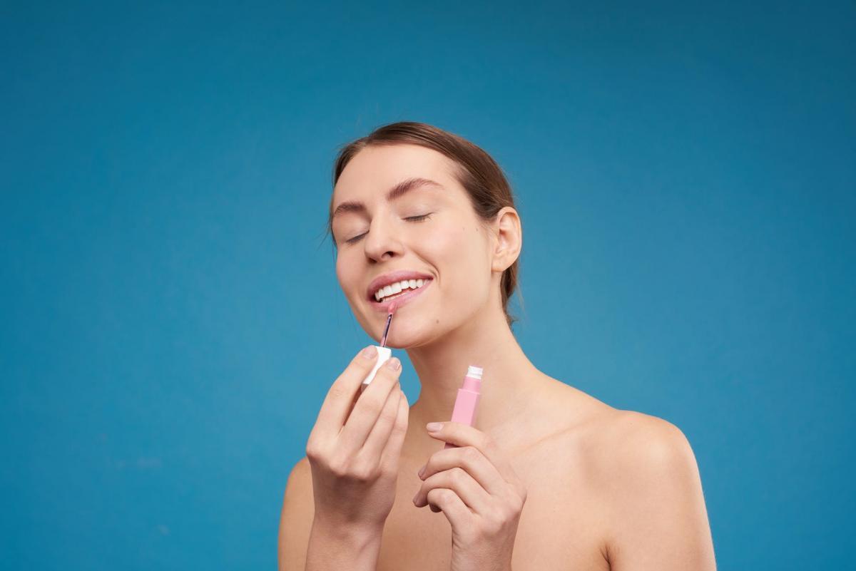 Перманентный макияж может заменить косметику / pexels.com