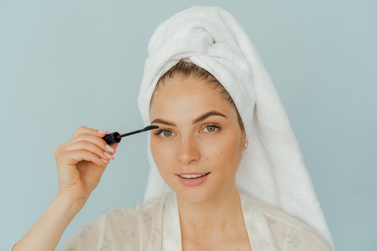 Тональный крем негативно влияет на кожу лица / pexels.com
