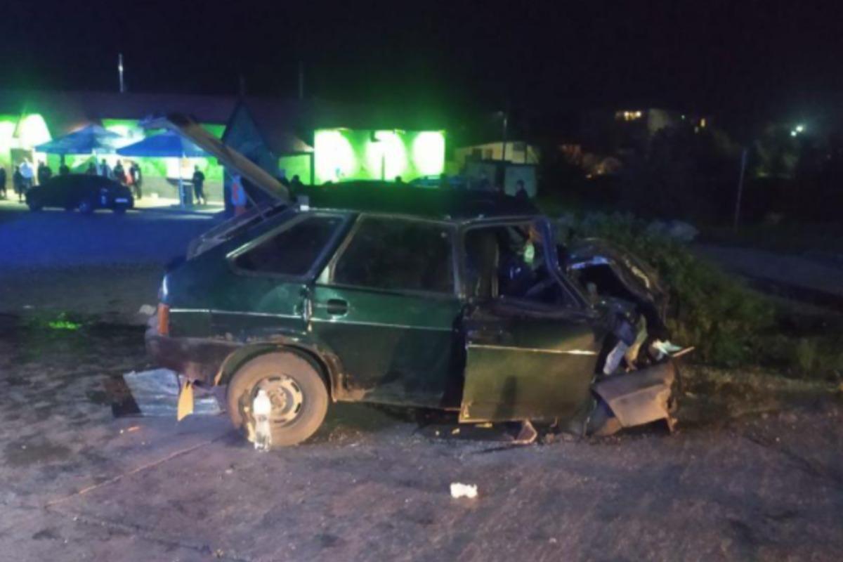 """На Сумщине """"ВАЗ"""" столкнулся с грузовиком, пострадали трое детей / фото su.npu.gov.ua"""