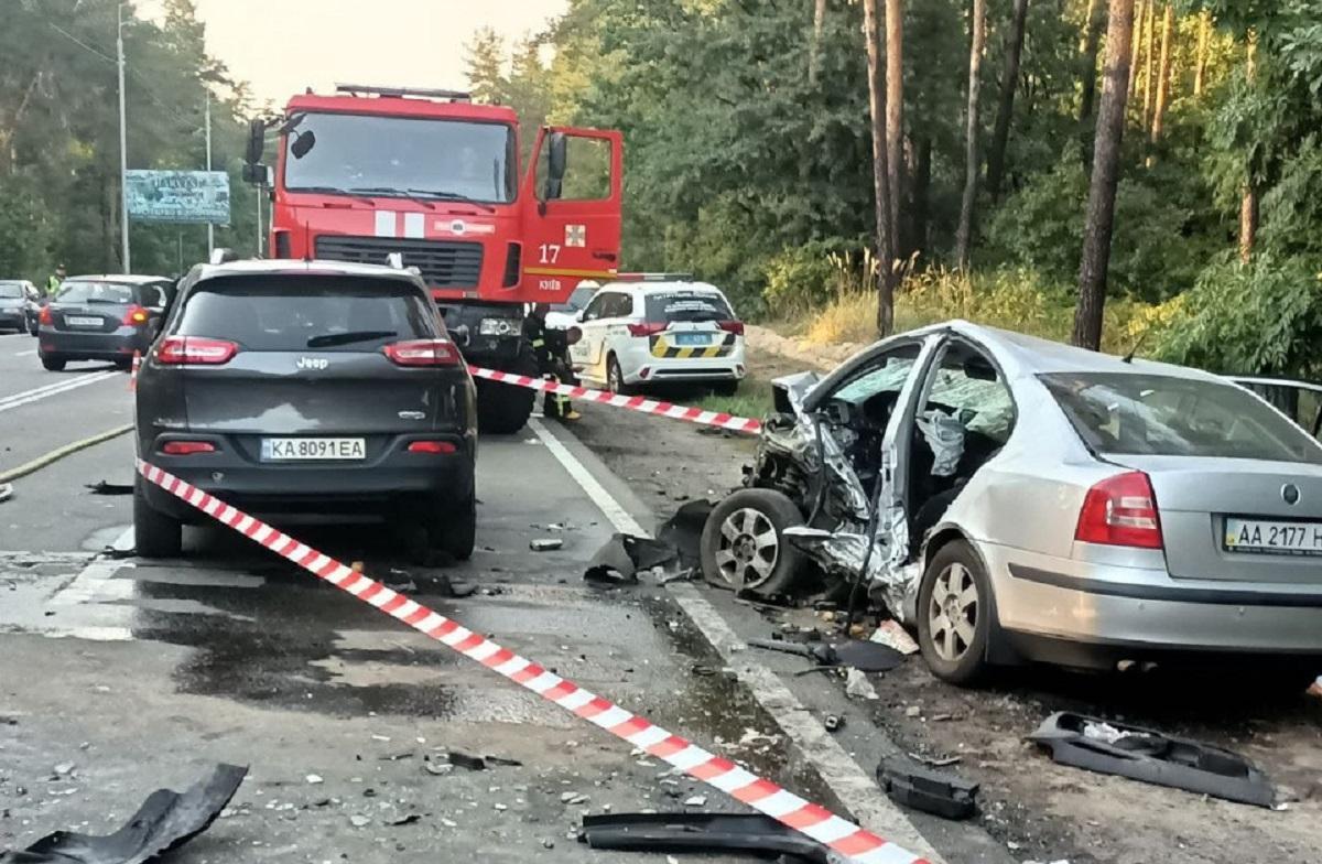 В результате аварии госпитализированы пять человек с травмами различной степени тяжести / фото espreso.tv