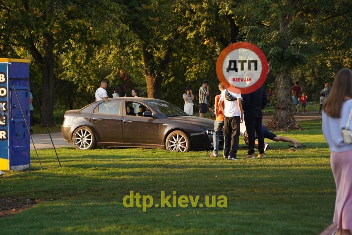 В итоге пришлось вызывать эвакуатор / фото: dtp.kiev.ua