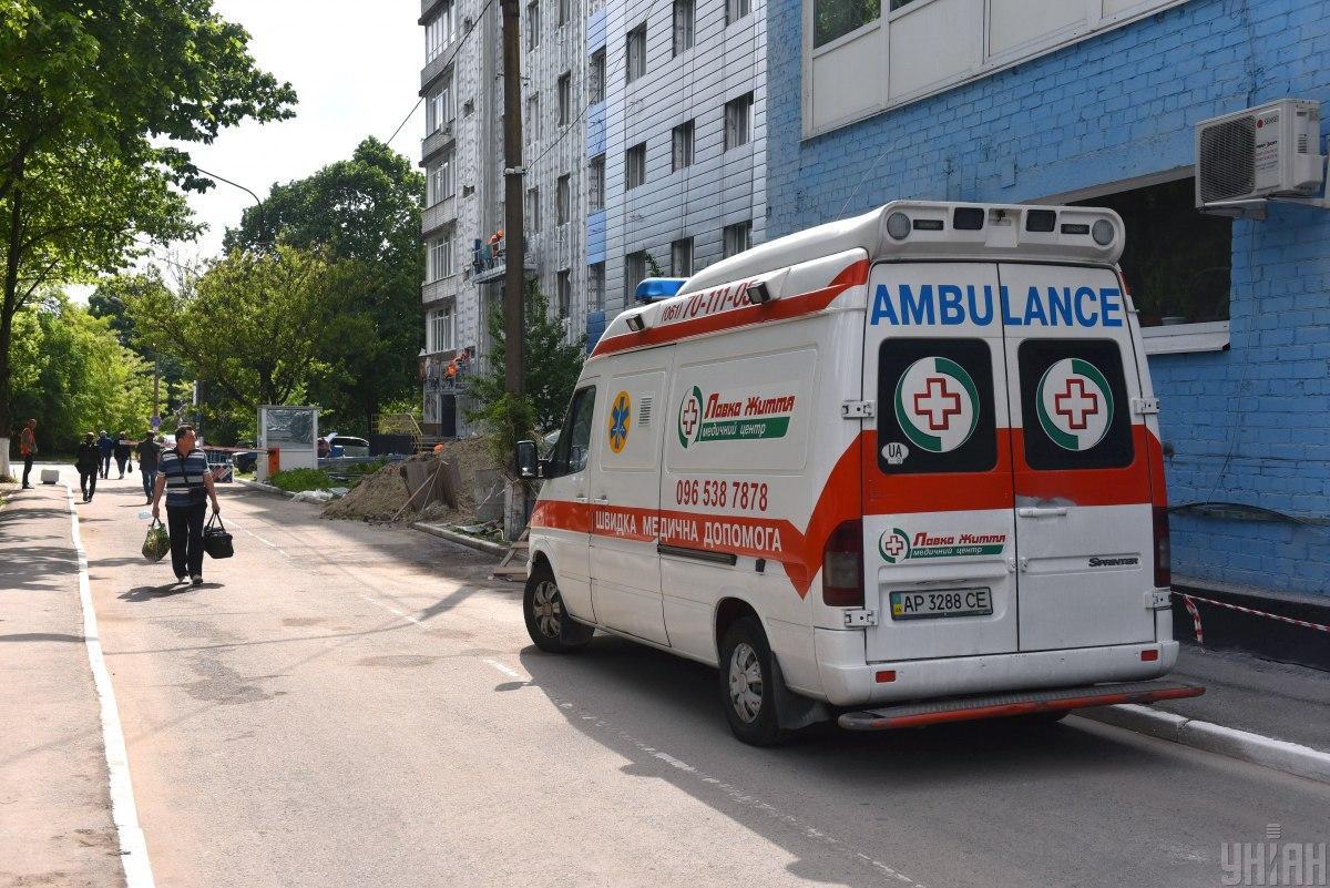 Фельдшер отказалась забрать в больницу живого пациента и он умер/ фото УНИАН, Александр Прилепа
