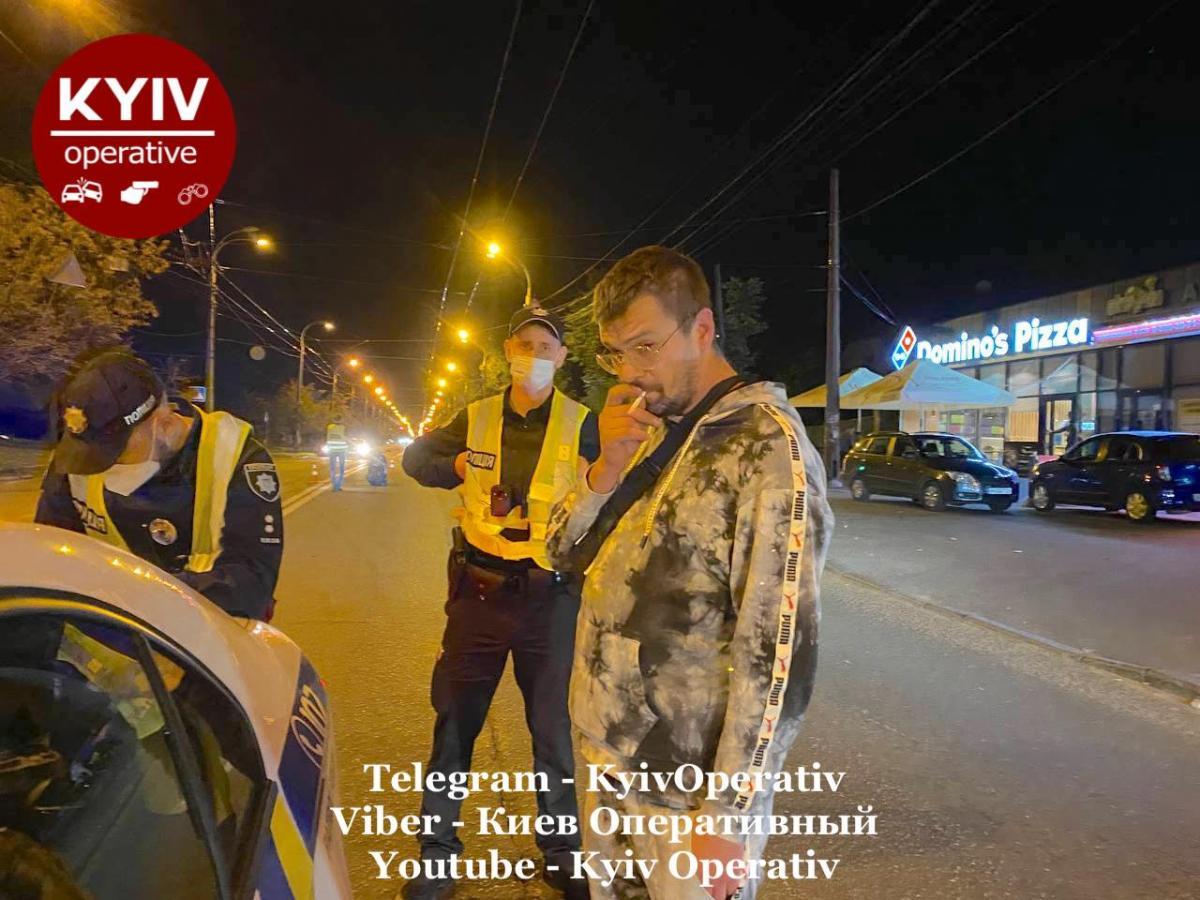 Водію не дали втекти очевидці ДТП / фото Київ Оперативний