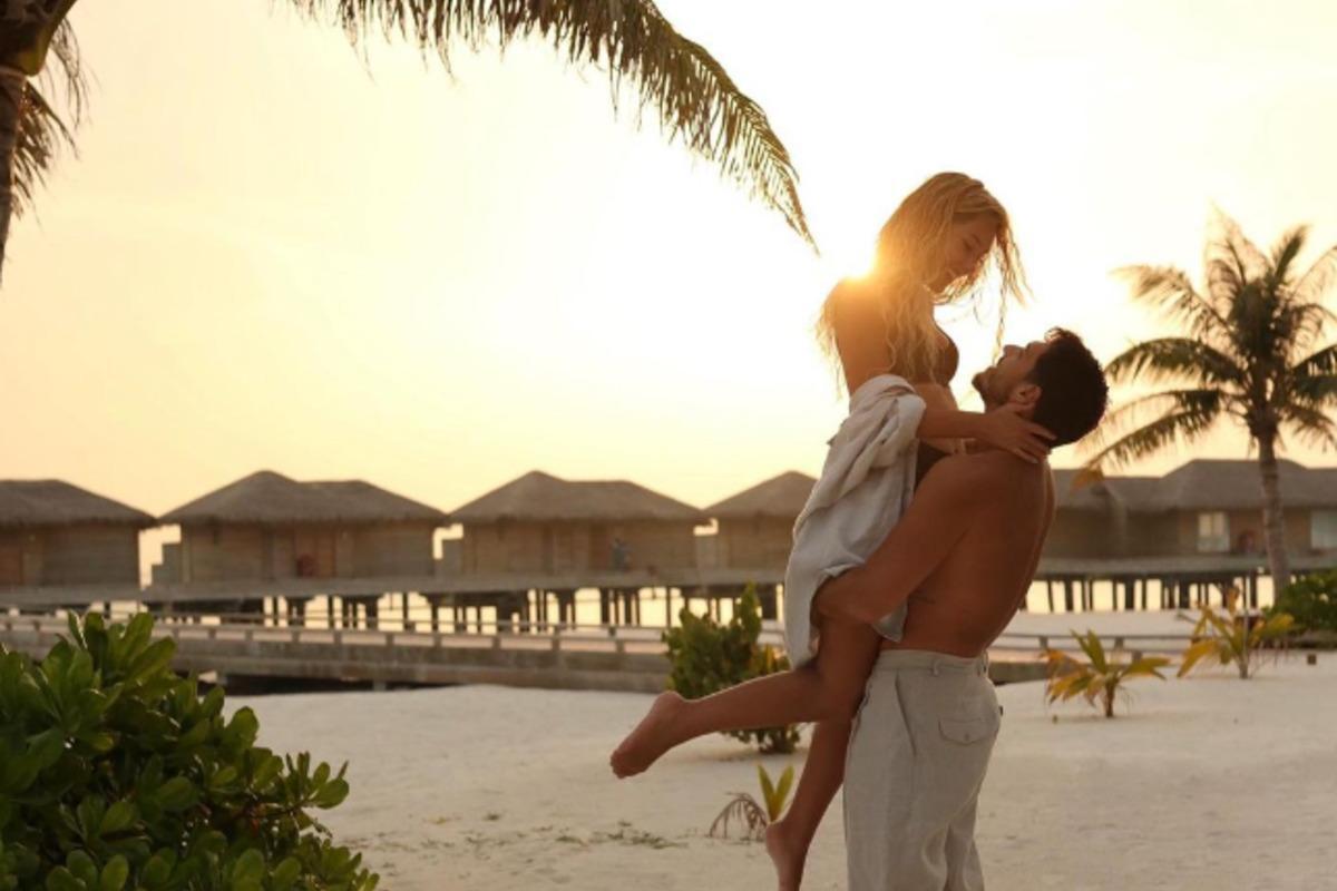 Пара едет отдыхать в Турцию / фото instagram.com/nikitadobrynin