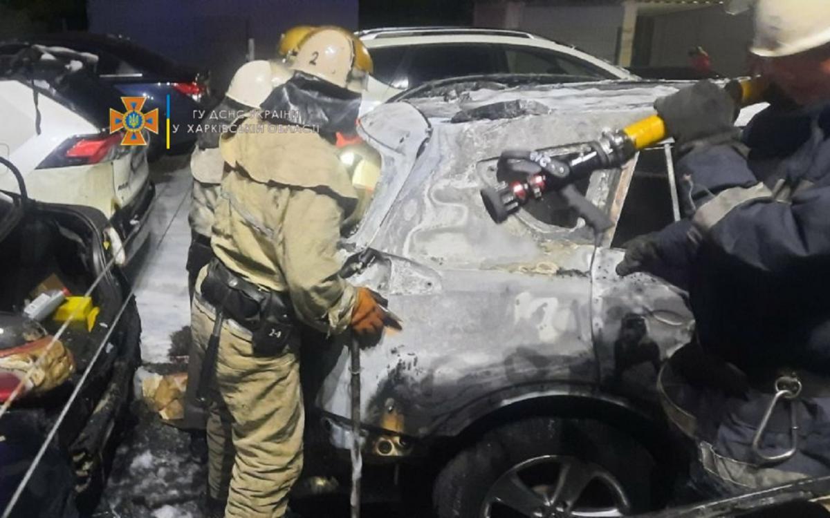 Рятувальники негайно вжили заходи щодо гасіння пожежі / kh.dsns.gov.ua