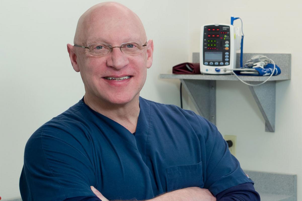 Лікар Морріс Вортман виявився батьком десяти дітей своїх пацієнток / фото Facebook