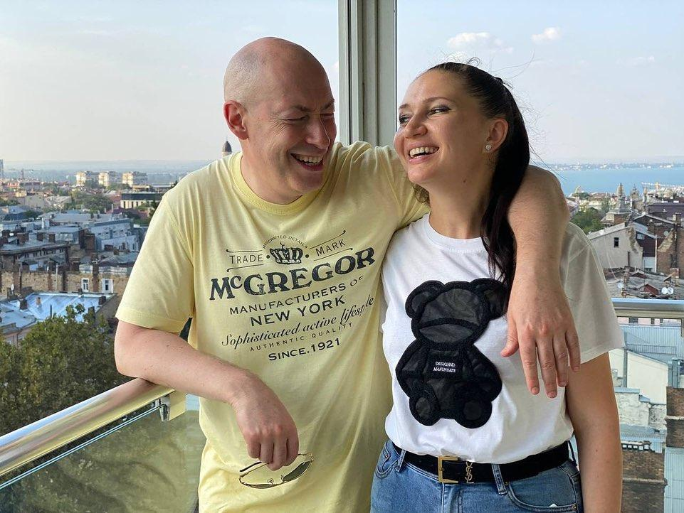 Дмитро Гордон з дружиною Олесею Бацман / instagram.com/alesiabatsman