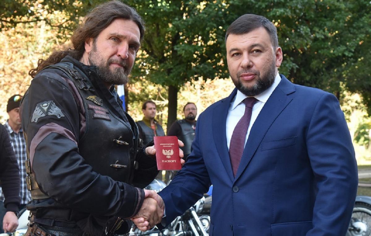 «Документ» Залдостанову Пушилін вручив сьогодні / фото з ресурсів бойовиків