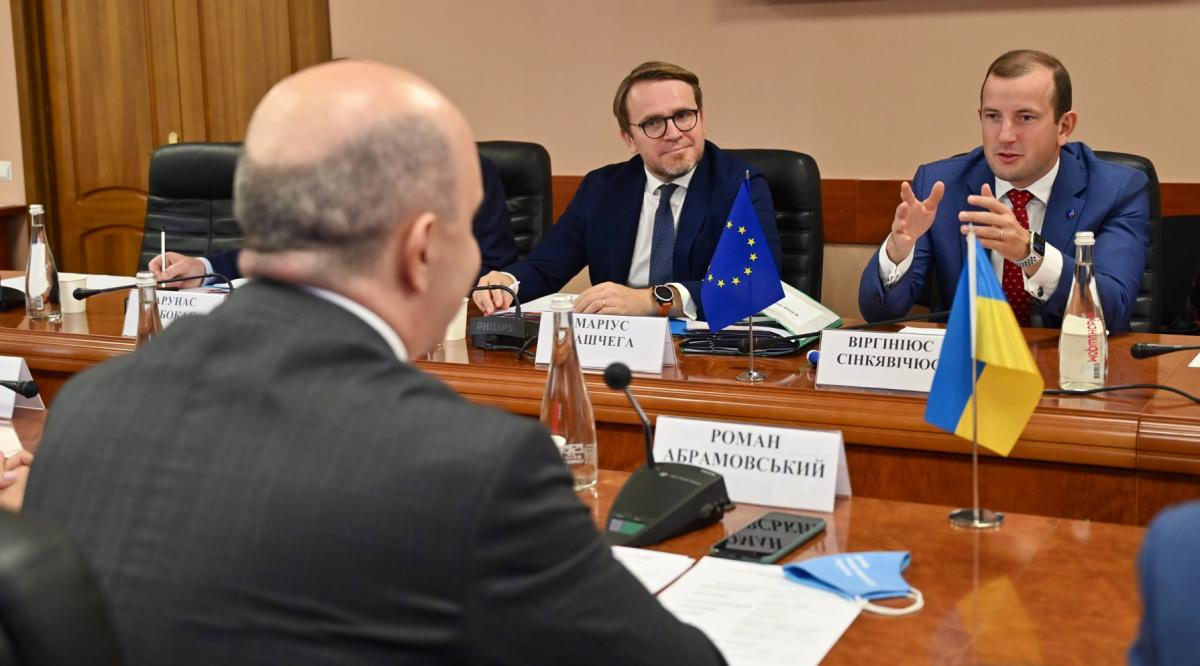 В ЕС надеются, что Украина будет решительным сторонником европейских усилий / фото twitter.com/VSinkevicius