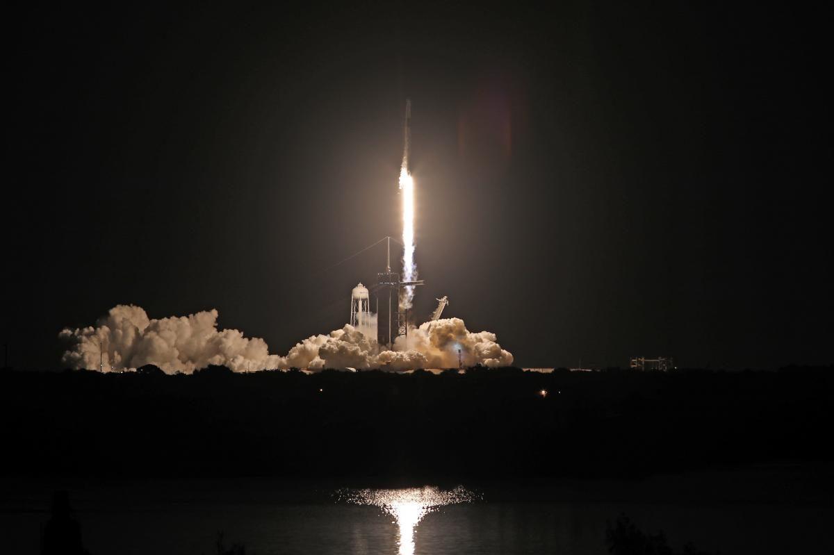 Це перший в історії запуск туристів без супроводу професійних астронавтів / Фото: REUTERS