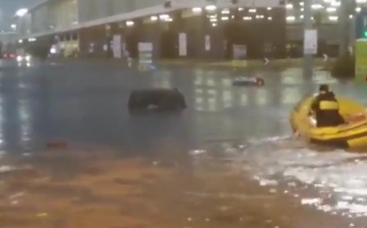 У Мілані затопило аеропорт / скріншот