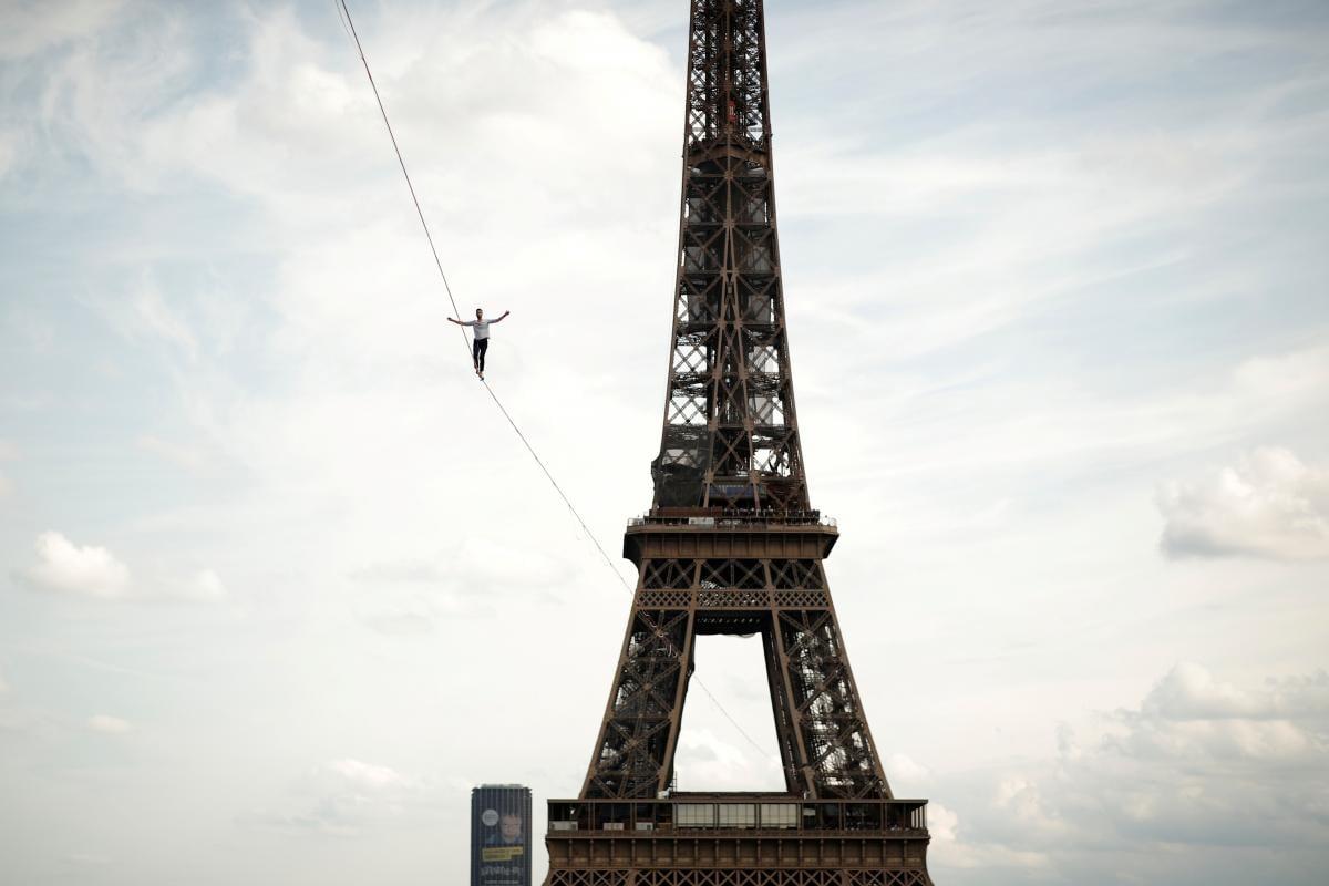 По словам канатоходца, во время преодоления маршрута он не чувствовал страха высоты / фото REUTERS
