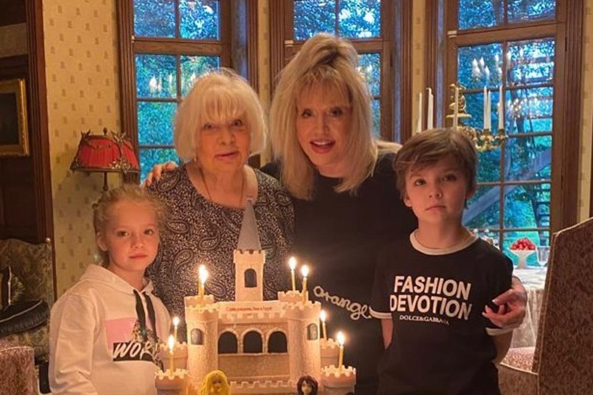 Пугачова на сімейному святі - дні народження Лізи таГаррі / фото instagram.com/alinarodel