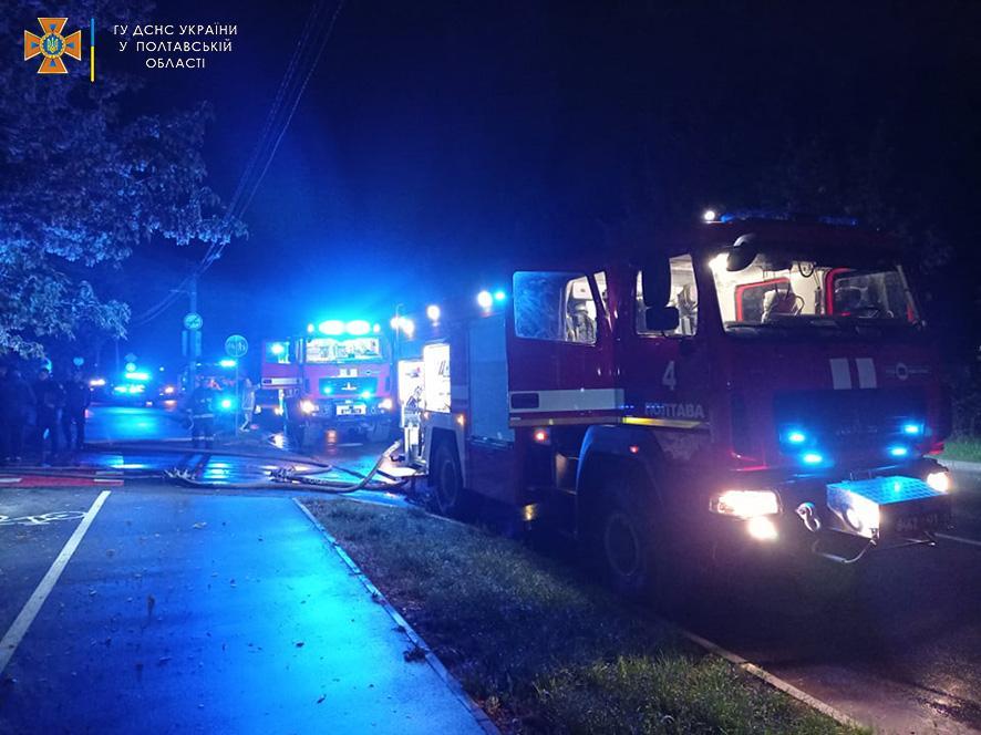 В Полтаве спасатели ликвидировали масштабный пожар / фото pl.dsns.gov.ua