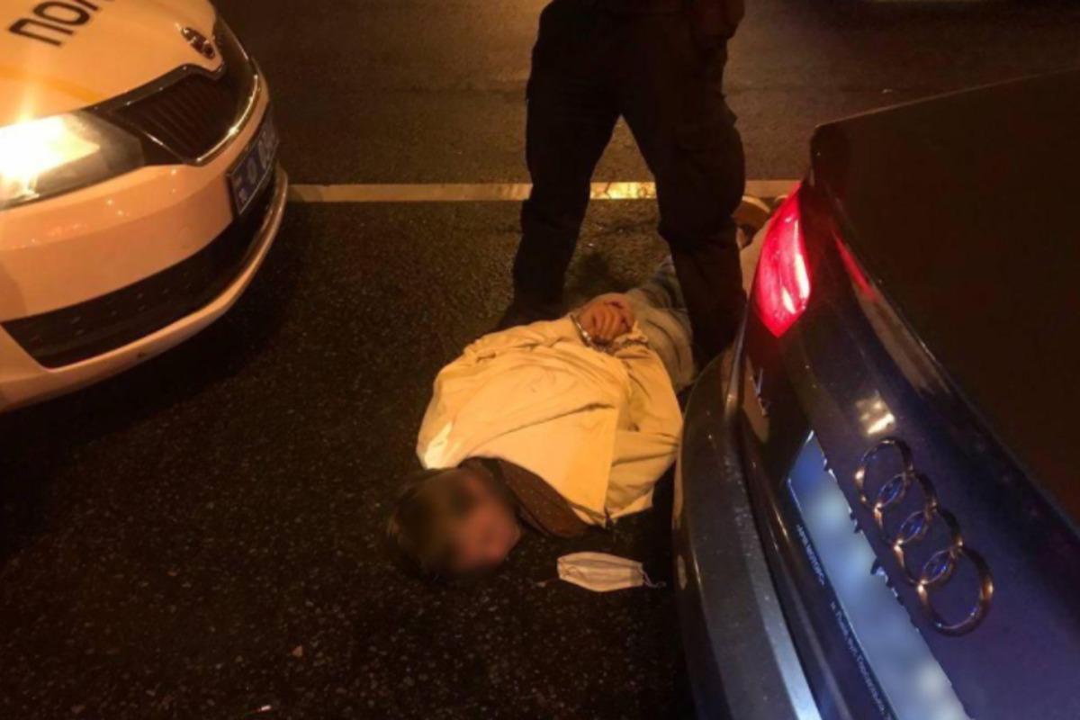 Під Києвом затримали водія, який намагався втекти від копів та влаштував стрілянину / фото kv.npu.gov.ua