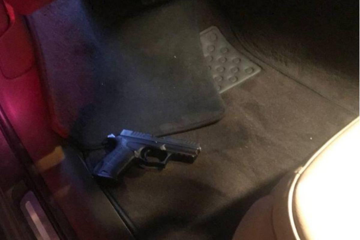 Біля Києвазатримали водія, який намагався втекти від поліцейськихта влаштував стрілянину / фото kv.npu.gov.ua