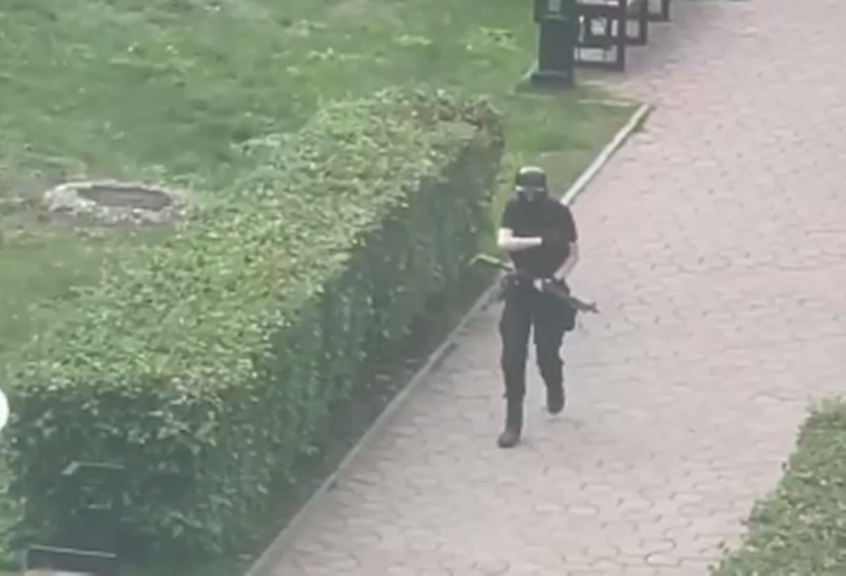 ТимурБекмансуров 20 сентября перед расстрелом в университете/ скриншот
