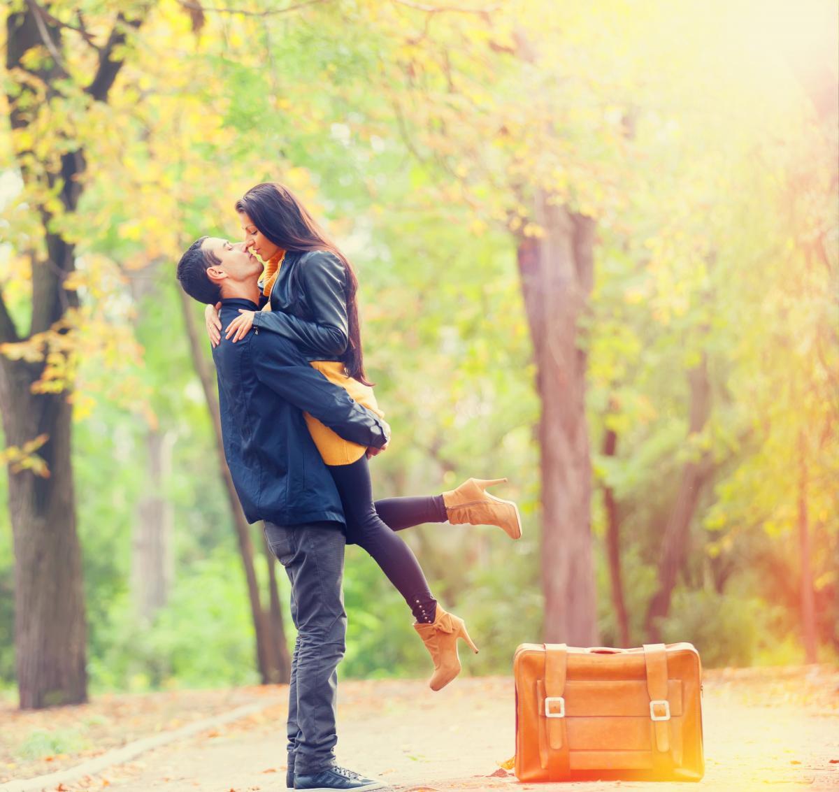Влюбленность - это всепоглощающее чувство, которое не поддается рациональному анализу \ фото: ua.depositphotos.com
