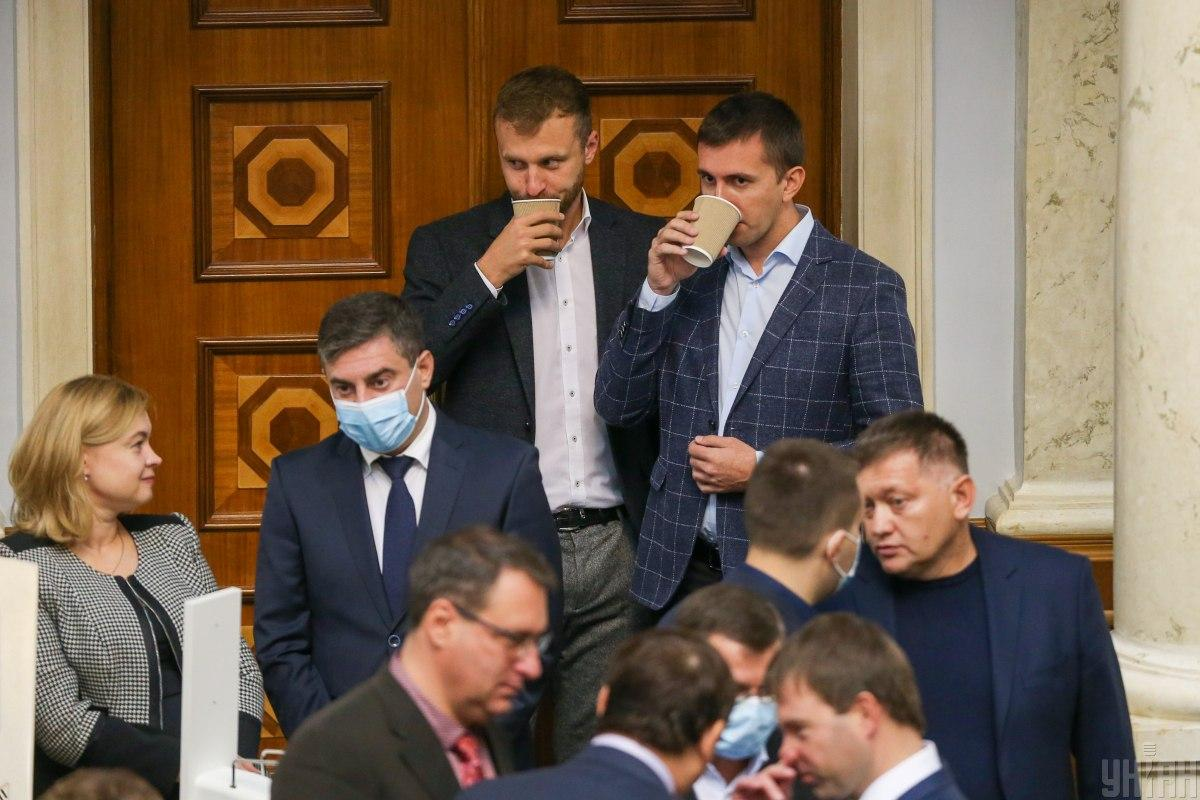 Корниенко сказал, что не может заставить нардепов вакцинироваться / фото УНИАН, Вячеслав Ратинский