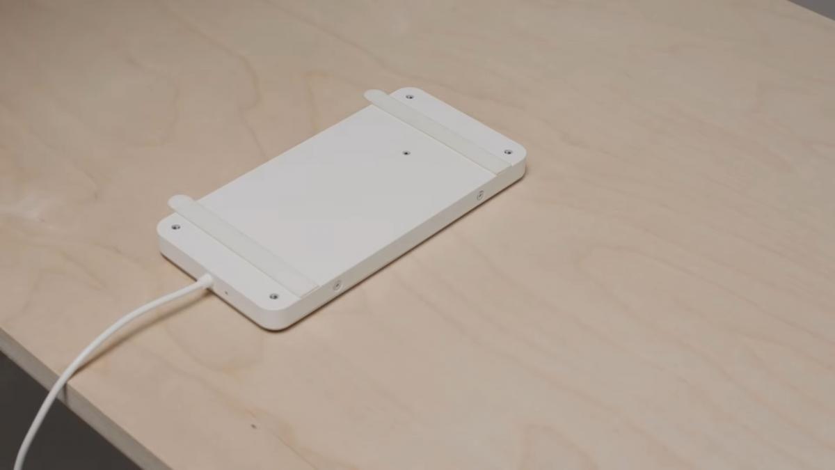 """IKEA показала свою """"невидимую"""" беспроводную зарядку / скриншот"""